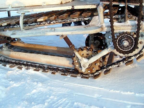 Как сделать снегоход на гусенице своими руками видео